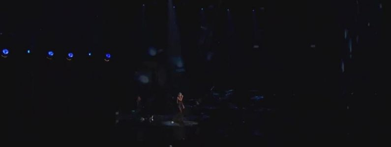 Ariana Grande en featuring avec The Weeknd sur Save Your Tears